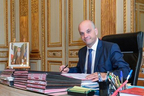 Jean Sur Mise Le Sport Michel Blanquer pqUGzSMV